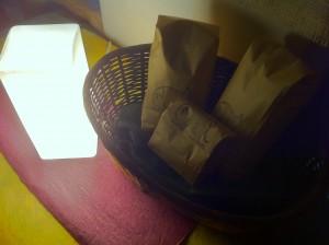 ブラストモンキーさんのコーヒー豆と照明