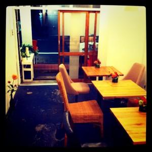 最近の代官山カフェ「cafeトキワ荘」店内